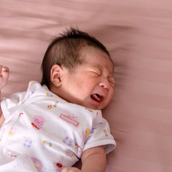 baby crying constipation
